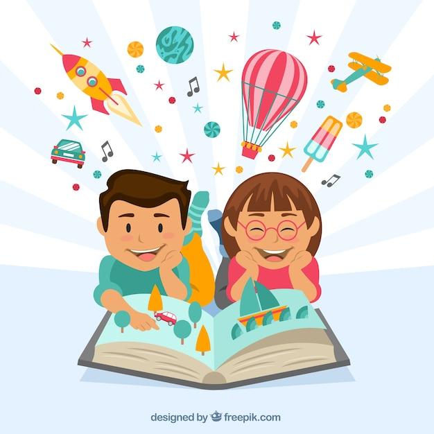 Crianças felizes que lêem um livro imaginativo