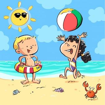 Crianças, jogando bola, praia