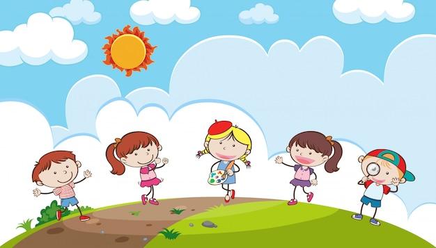 Crianças jovens, tocando, ligado, um, colina