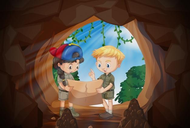 Crianças, leitura, mapa, frente, caverna