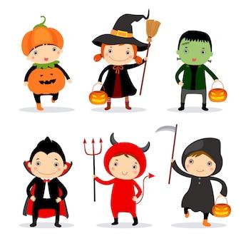 Crianças lindas usando fantasias de halloween