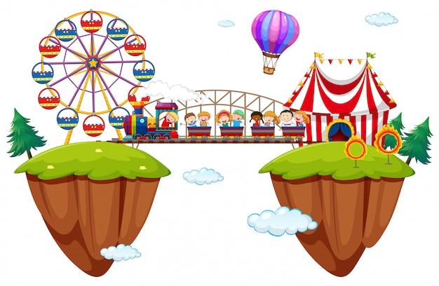 Crianças, montando, trem, em, funpark