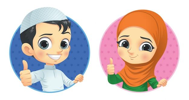 Crianças muçulmanas mostram o polegar para cima