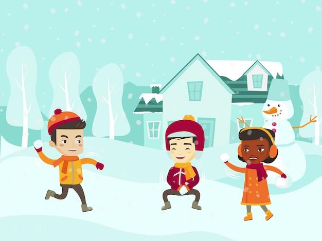 Crianças multiculturais jogando luta de bola de neve.