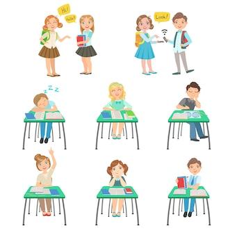 Crianças na escola, sentado na sala de aula e conversando com amigos
