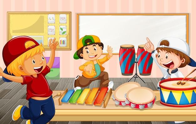 Crianças na sala de aula com vários instrumentos musicais