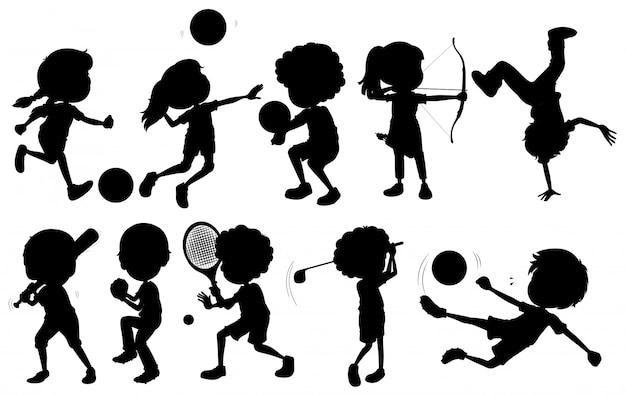 Crianças praticando esportes diferentes