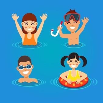 Crianças se divertindo e nadando no mar