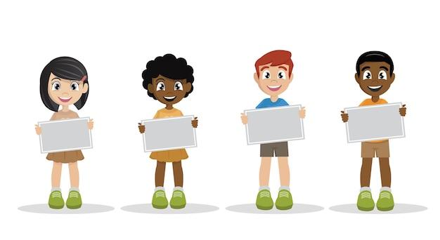 Crianças segurando um cartaz.