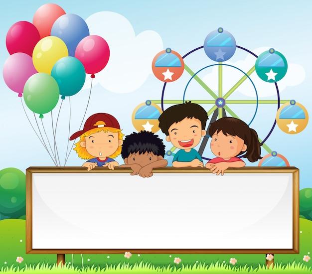 Crianças, segurando, um, vazio, signboard
