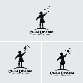 Crianças sonham em alcançar uma estrela e lua