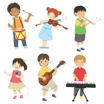 Crianças tocando conjunto de instrumentos de música