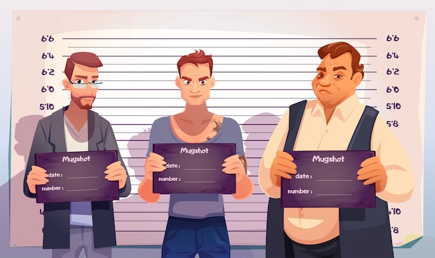 Criminosos com placas de mugshot na delegacia