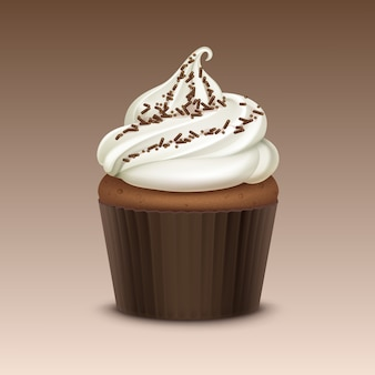 Cupcake com chantilly branco e granulado close up