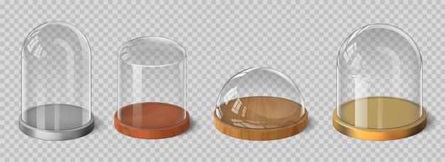 Cúpulas de vidro 3d realistas com bandeja de madeira, prata e ouro. conjunto de vetores de recipientes de caixa de exibição de sino, cilindro e hemisfério de cristal. vidraria para armazenamento de alimentos ou placa de apresentação do produto