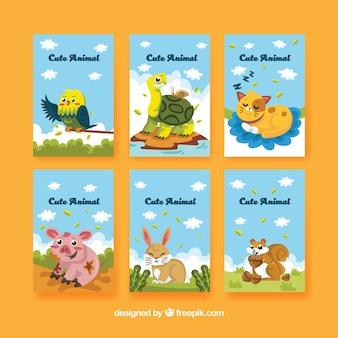 Cute pacote de cartas com animais se divertindo