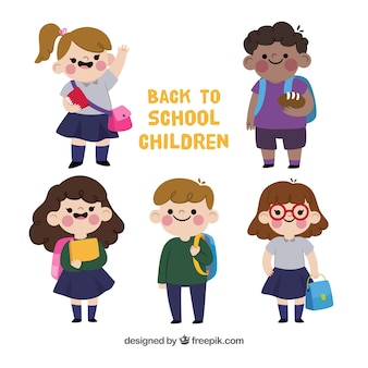 De volta ao fundo da escola com crianças felizes