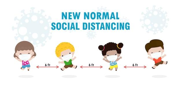 De volta às aulas para o novo conceito de estilo de vida normal, crianças usando máscara facial e o distanciamento social protegem o coronavírus ou cobiça isolado no fundo
