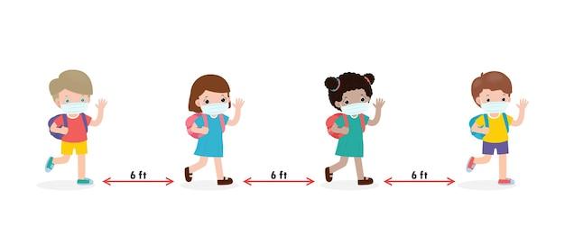De volta às aulas para um novo conceito de estilo de vida normal, crianças felizes usando máscara facial e distanciamento social