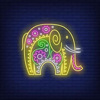 Decorado sinal de néon de elefante indiano