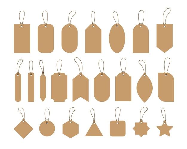 Definir etiquetas de preços de papel artesanal em branco e etiquetas com cordas.
