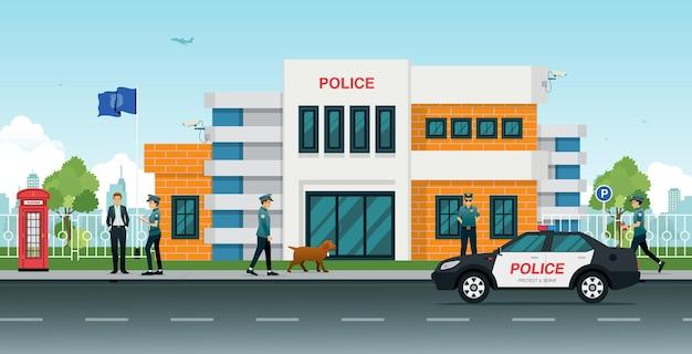 Delegacia de polícia com carros de polícia e policiais homens e mulheres.