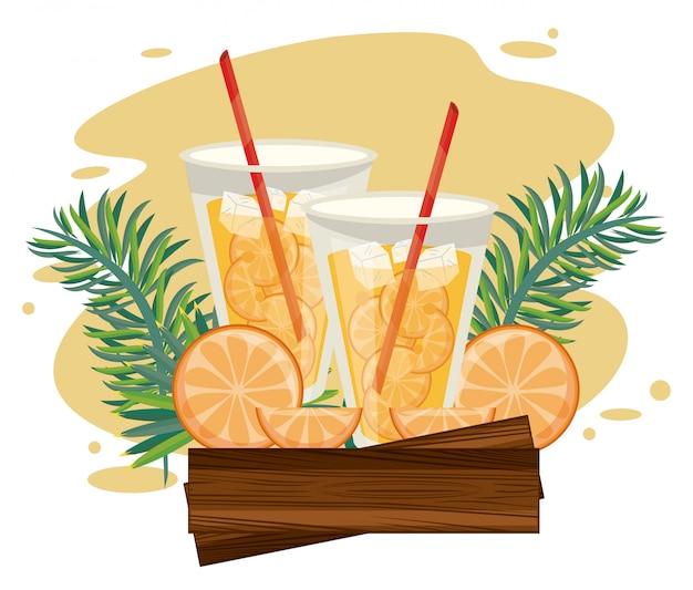 Delicioso e bebidas refrescantes na praia