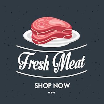 Delicioso produto de açougue com carne fresca em cubos no prato