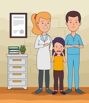Dentista homem com mulher e menina com dor de dente