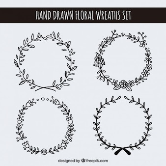 Desenhadas mão coroas de flores set
