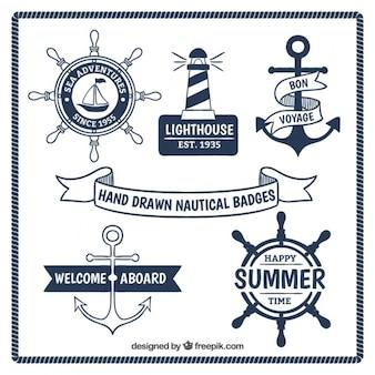 Desenhadas mão emblemas náuticas