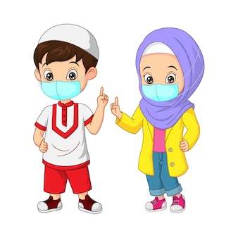 Desenho animado de criança muçulmana feliz usando máscara facial