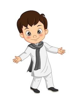 Desenho animado menino feliz em traje tradicional