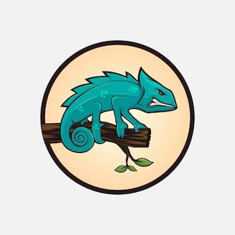 Desenho bonito do camaleão em madeira
