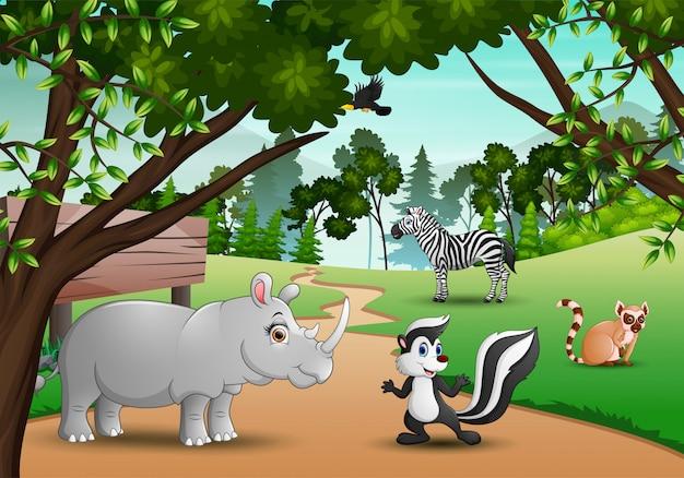 Desenho de animais felizes na selva