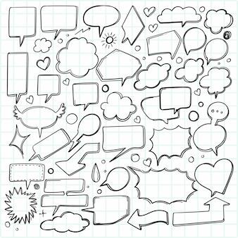 Desenho de conjunto de bolha de discurso de esboço desenhado à mão
