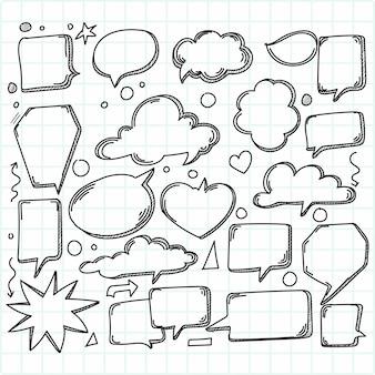 Desenho de esboço de balões de fala em quadrinhos desenhados à mão