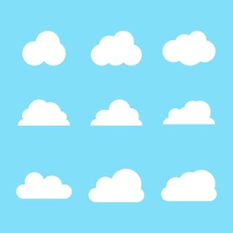 Desenho de nuvem branca com forma diferente para decoração de paisagem isolada em fundo azul