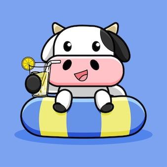 Desenho de vaca fofa com pneu de natação e suco de limão Vetor Premium