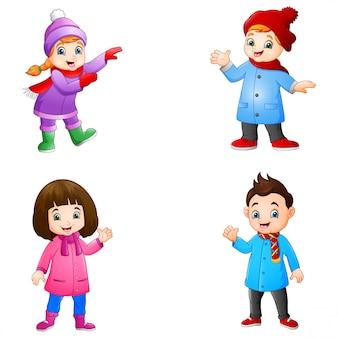 Desenho menina e menino vestindo roupas de inverno