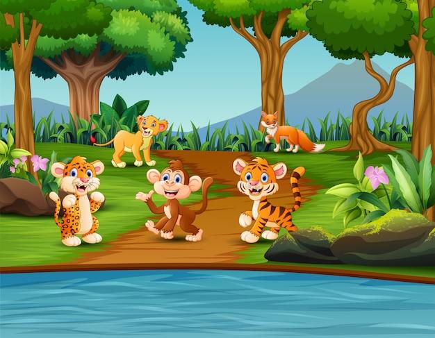 Desenhos animados animais selvagens felizes em uma cena de lagoa