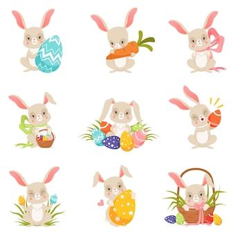 Desenhos animados bonitos de coelhinhos segurando ovos coloridos