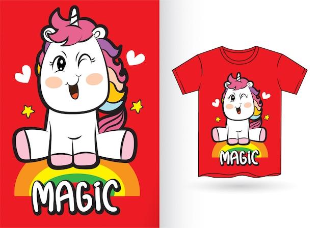 Desenhos animados bonitos do unicórnio para a camisa de t