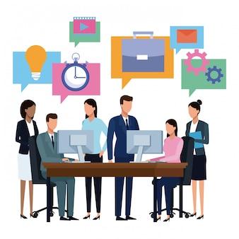 Desenhos animados de brainstorming de equipe de negócios