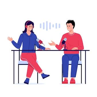Desenhos animados de pessoas sorridentes, ouvindo e gravando podcast de áudio ou ilustração plana de show on-line