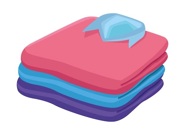 Desenhos animados de roupas dobradas empilhadas