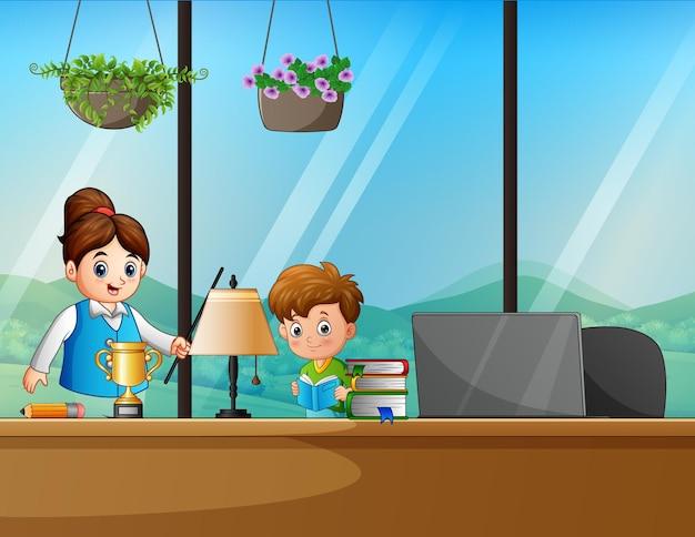 Desenhos animados de uma mulher ensinando alunos em casa