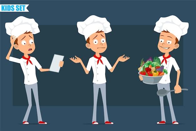 Desenhos animados planos engraçados pouco chef cozinheiro menino personagem de uniforme branco e chapéu de padeiro. criança lendo nota e segurando uma colher com legumes.