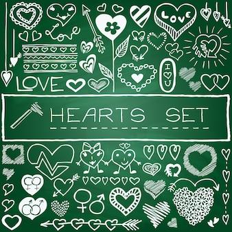 Desenhos de coração desenhados à mão, flores e flechas