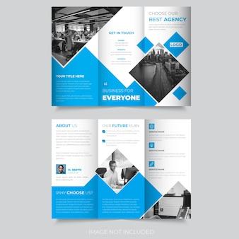 Design abstrato de brochura com três dobras
